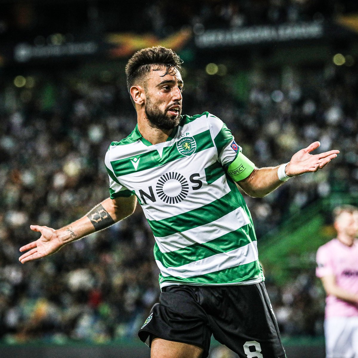 With 14 goals and 12 assists, Bruno Fernandes has been involved in 26 goals for Sporting and United this season.  Different leagues, same Bruno 🔥 https://t.co/vu5MtZPh30