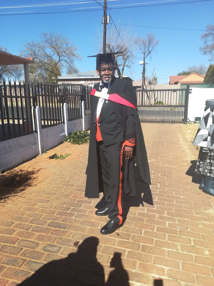Philip Dhlamini has obtained his first degree at 69 years old.   He recently graduated at @ULvarsity's virtual graduation and we had to have a chat with him. @Mpho_Mashita and @DjComplexion find out what inspired this move on #OnTheGoBreakfast NEXT. <br>http://pic.twitter.com/UMR6Zm5FzJ