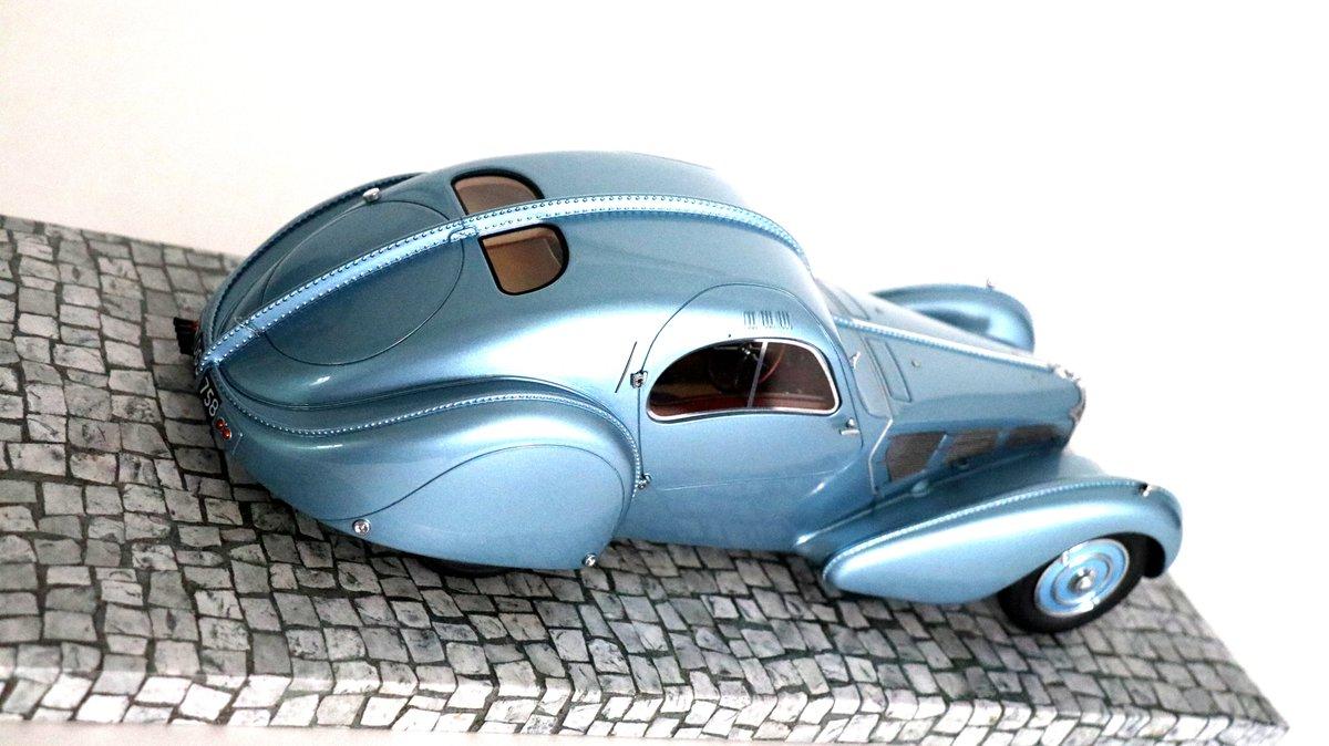 Pre-war Bugatti Love -- -- -- #legendmcars #Bugatti @Bugatti #Minichamps @Minichamps #diecast #modelcars #miniatures @ModelCarsMag @ModelCarGroup @modelcar #luxury #luxurylifestyle @luxurylife pic.twitter.com/Saj5VLetK4