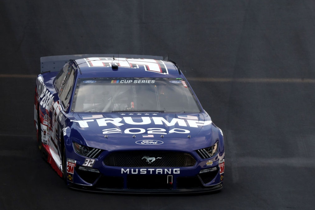 NASCAR Driver With Trump Theme: When Fans See It, Hopefully They'll 'Race To The Polls In November' dlvr.it/Rb3p0y