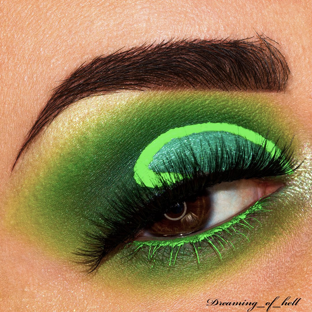 • Green Neon • . #sigmabeauty #morphebrushes  #anastasiabeverlyhills #flawlesssdolls #jeffreestarcosmetics #slave2beauty #blazin_beauties #mua_underdogs #featuremua #underratedmuas #makeupdoll #bperfectcosmetics #beautybayprsearch #avantgardemakeup #makeupeditorialnorvborvpic.twitter.com/tecXiTvm5e