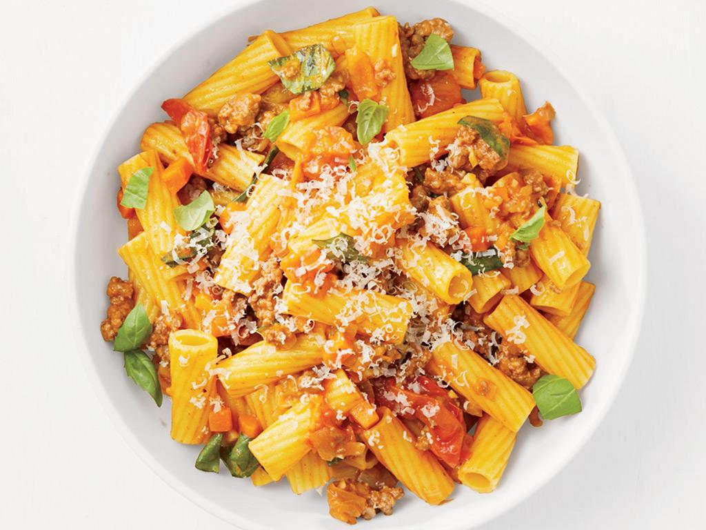 Recipe of the Day:  Rigatoni with Summer Bolognese   Save the recipe on your @fnkitchen app today:  https:// food-network.app.link/t7jtgGAaM7    !<br>http://pic.twitter.com/TkYnsH82Oh