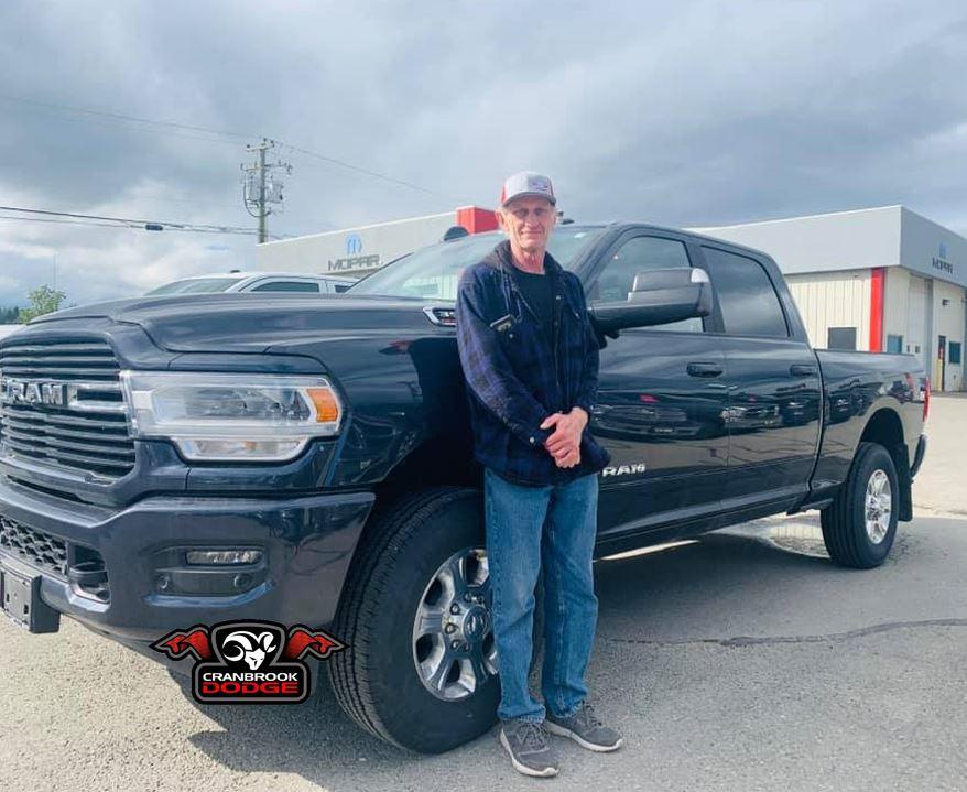 Congratulations to Stephen on his new #Ram 3500 #truck! #CumminsEngine #HeavyDutyTruck #RamTruck #Ram3500 #CranbrookDodgepic.twitter.com/rC2pwF8R4f