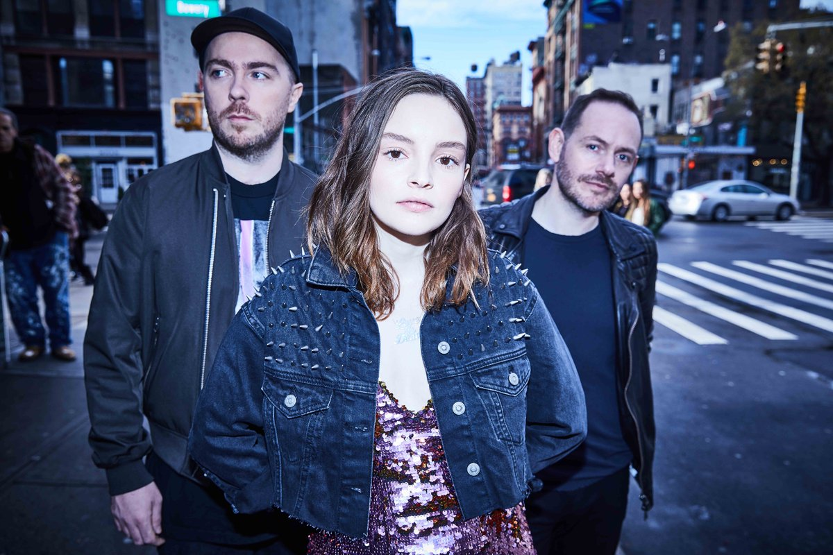 We are blown away by this fundraiser  👉https://t.co/mXSEAdQT4O 😍  Thank you @CHVRCHES for supporting our #StillProud campaign with your benefit tee! With your help we can continue to be there for LGBTI young people in Scotland, supporting them when they most need it ❤️ https://t.co/Kcfn5IT2Dw