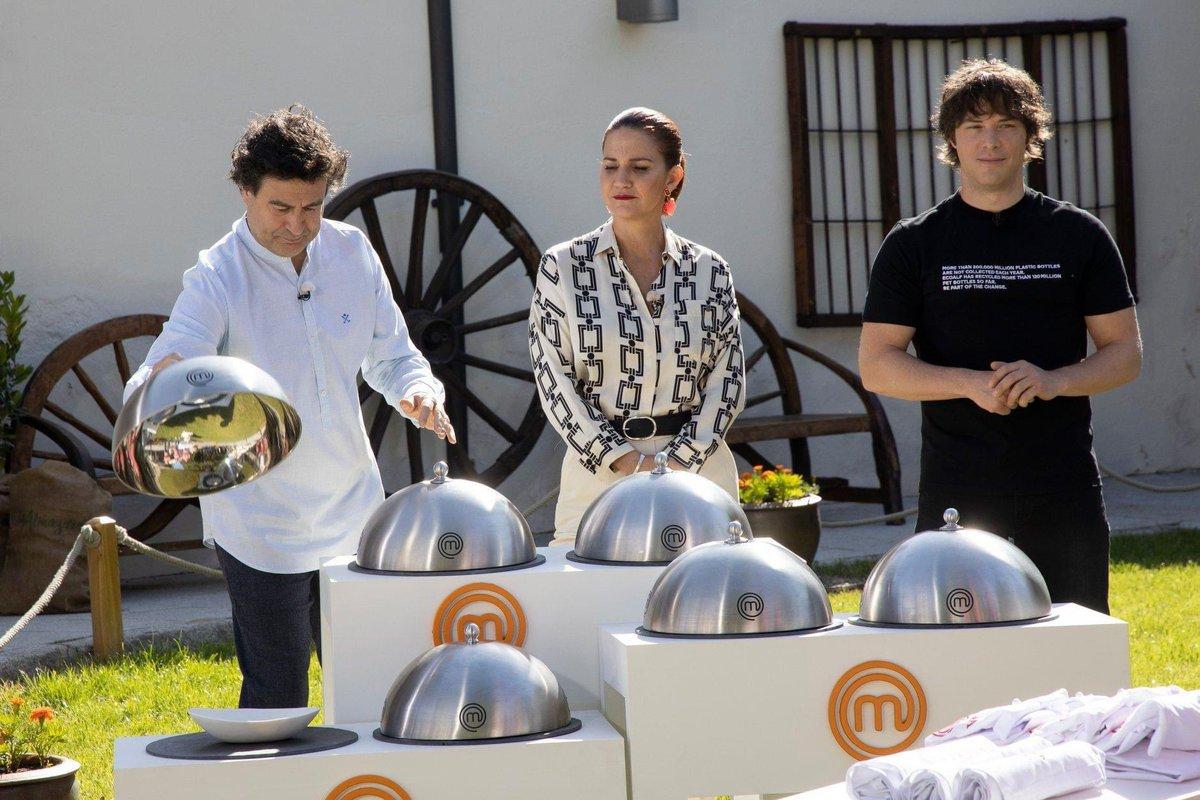 Pepe Rodríguez 👨🏻🍳 abrirá la cocina de su Restaurante @elbohioillescas #Toledo, para disputar la última prueba de #Masterchef8. El chef Joan Roca, nombrará al vencedor de la edición @MasterChef_es esta noche a las ⏰ 22:05h en @tve_es #CLMcercadeti   #CLMcercadeti https://t.co/R7ub2izeF2