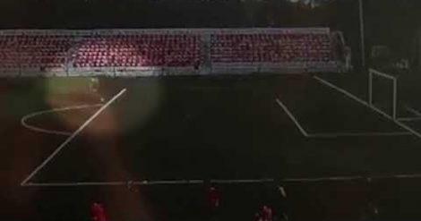 Fulmine cade in campo, colpito un calciatore (VIDEO) - https://t.co/WyfANpFwWr #blogsicilia #calcio #6luglio