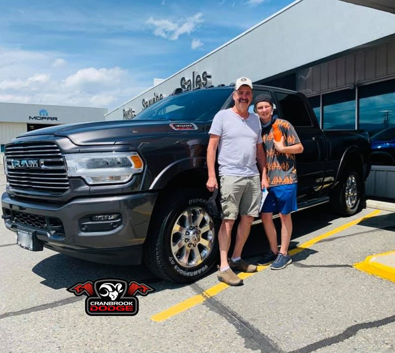 Congratulations to Dennis, Cindy, and family on their new #Ram 3500 #truck! #RamCountry #RamAdventure #CranbrookDodge #RamFamily #HeavyDutyTruck #Ram3500 pic.twitter.com/jZ9K8DQ49f