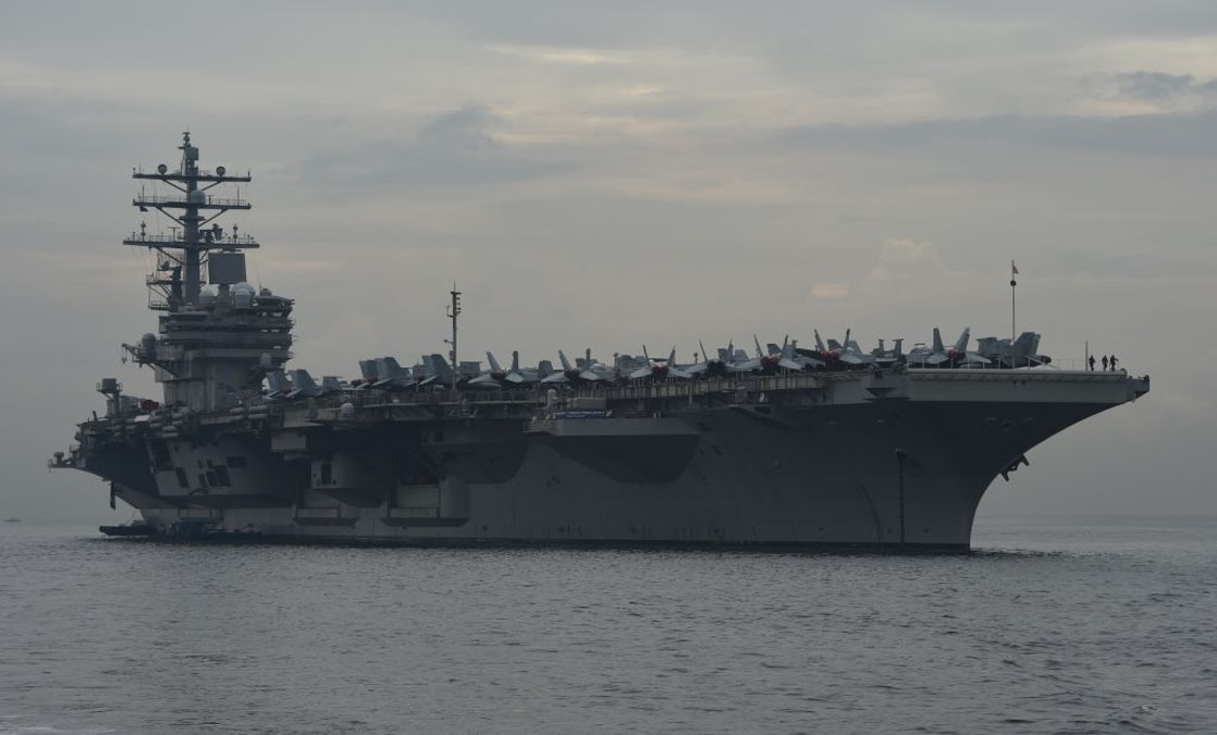 US Aircraft Carriers, Strike Fighters Display 'Unambiguous' Show Of Force Near China dlvr.it/Rb40zQ