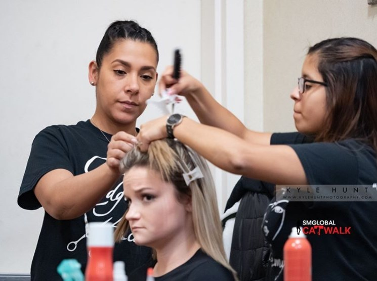 I love the confidence that makeup gives me.  Show: SMGlobal Catwalk NY Fashion Week Designer - SAMINA MUGHAL GLAM TEAM: Cutting Edge Academy  #makeup #beauty #makeupartist #fashion #beautiful #makeuplover #makeupaddict #cosmetics #lipstick #eyeshadow #foundation https://t.co/NAmnmnRqhK