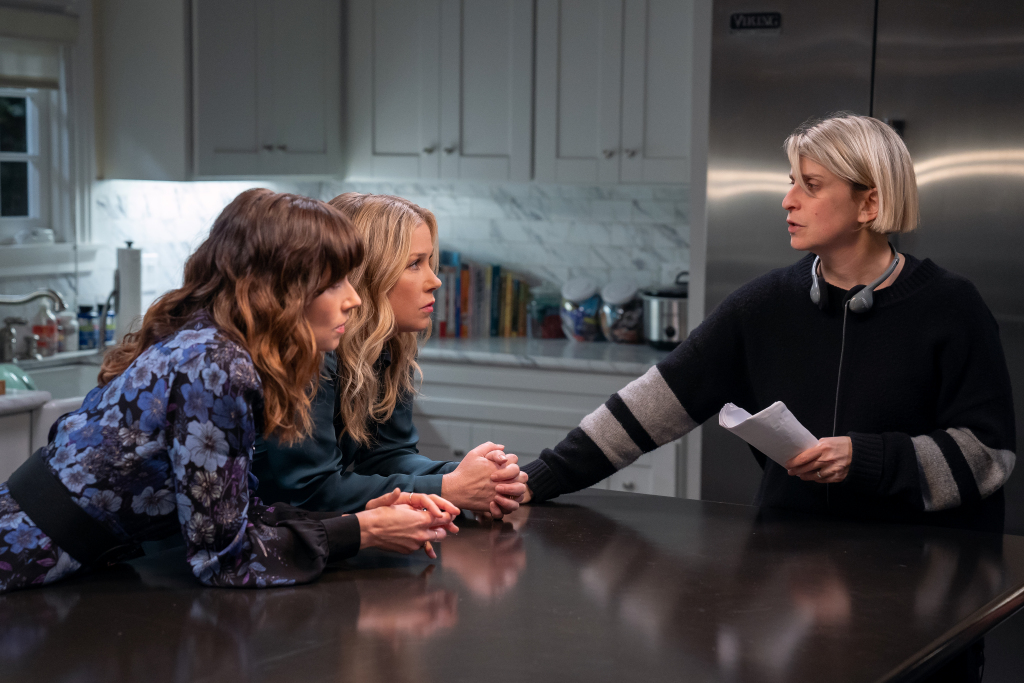 'Dead To Me' Renewed For Third & Final Season; Creator Liz Feldman Inks Overall Deal With Netflix  http:// dlvr.it/Rb43nZ     <br>http://pic.twitter.com/5H9uHckVGM