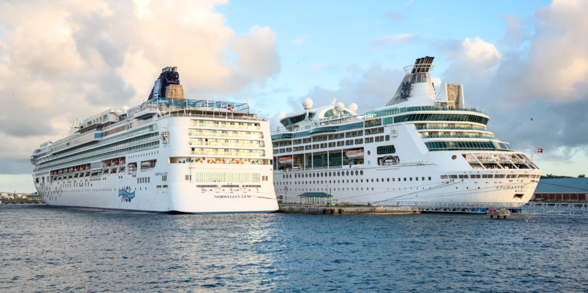 NEWS: Royal Caribbean and Norwegian Cruise Line Team Up for New Health Protocols. https://www.cruisehive.com/royal-caribbean-and-norwegian-cruise-line-team-up-for-new-health-protocols/40544 … #cruise #cruises #travelpic.twitter.com/LKeb1CrNVI