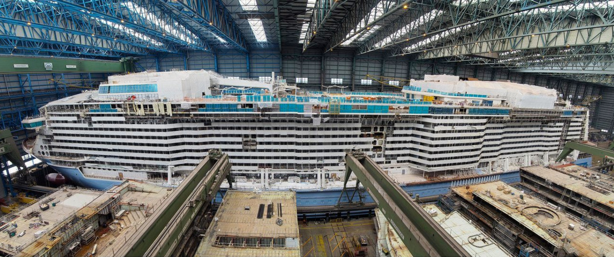 New Construction Photos of Delayed Royal Caribbean Cruise Ship. https://www.cruisehive.com/new-construction-photos-of-delayed-royal-caribbean-cruise-ship/40540 … #cruise #cruises #travelpic.twitter.com/YhZ6M9TfiJ