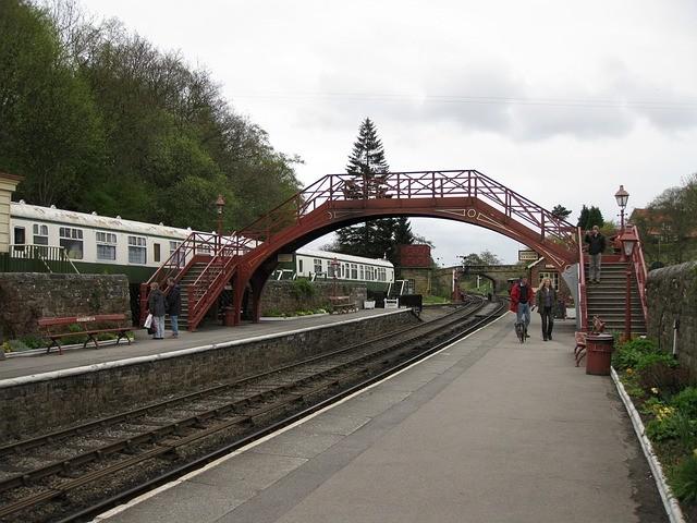 Photo By Pixbob   Pixabay   #trainstation #goathland #train #travellingthroughtheworld #travellover #travelgoals #travelandlife #travelguidepic.twitter.com/e1eCQGxSZk
