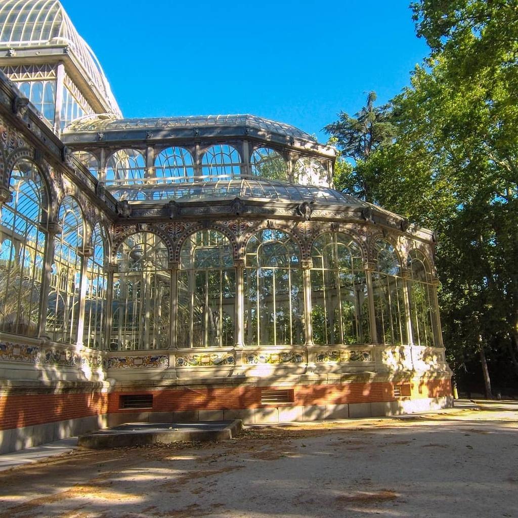 Magical palace 📸 . #Flygia360 #photography #travelphotography #photooftheday #picoftheday #bluesky #actioncam #actioncamera #glass #architecture #EyeEM #SJCAM #park #tourism #instatravel https://t.co/mCNtrbzkxM
