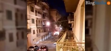 Torna l'ondata di incendi a Siracusa, in fiamme una macchina (VIDEO) - https://t.co/WLZXmjYf8W #blogsicilianotizie