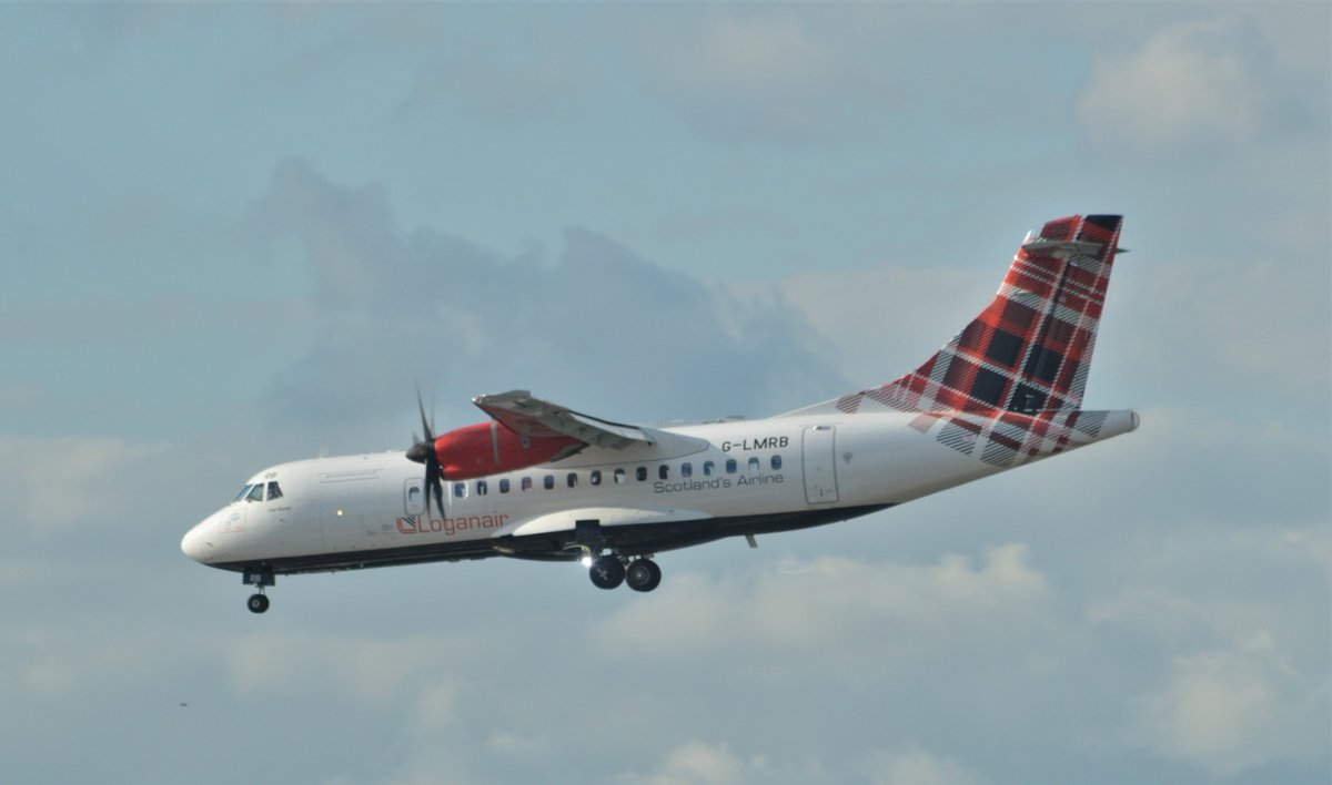 #ATR42 G-LMRB operated by @FlyLoganair pays it's first visit to @LondonCityAir operating the inaugural #LM625 from @DNDAirport   #AvGeek  #dlr_blog https://t.co/x9CdXB6eQq