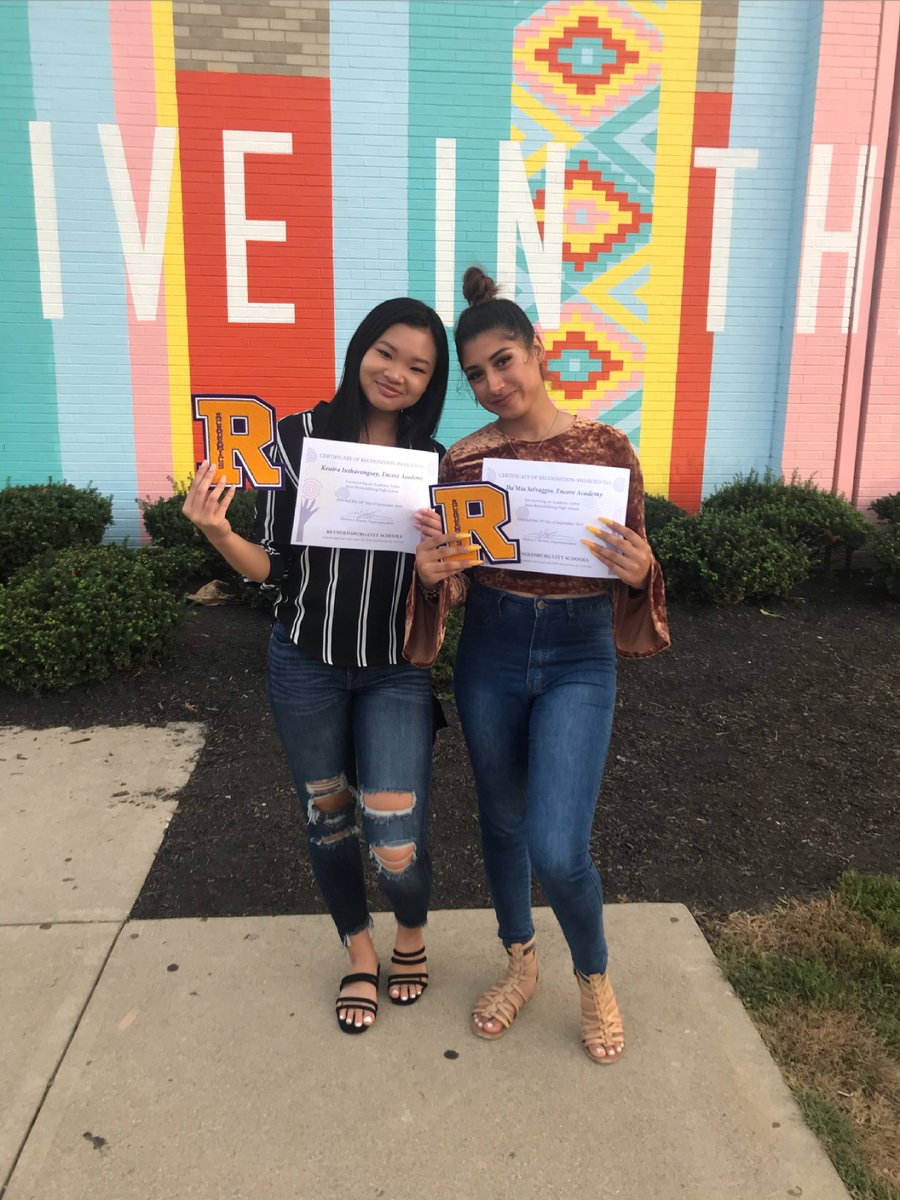 We're sharing some pictures from the Class of 2020 this week! #MondayMemories #reynproud https://t.co/x4zPNqWs6B
