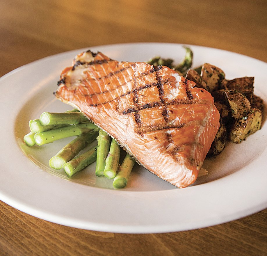 🥘Dinner made easy, marinated salmon fillets ready for your grill. Part of our weekly specials. Full ad on our website: https://t.co/ipcVyuvG9D  #draegers #draegersmarket #sanmateo #menlopark #losaltos #danville #memorialday #wine #organic https://t.co/WTq4fiSzkF
