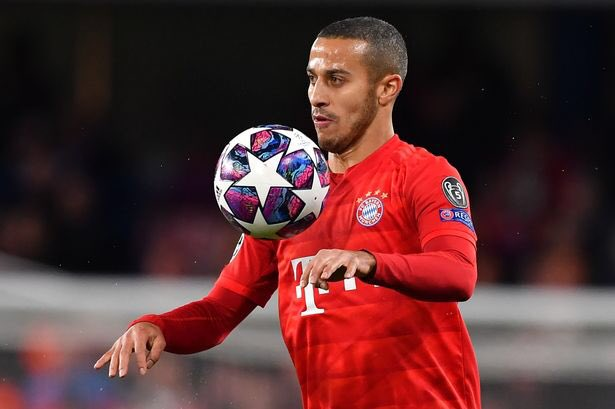Jurgen Klopp would like to attract Bayern Munich star Thiago Alcantara to Anfield in order to give his midfield an extra edge. (France Football)