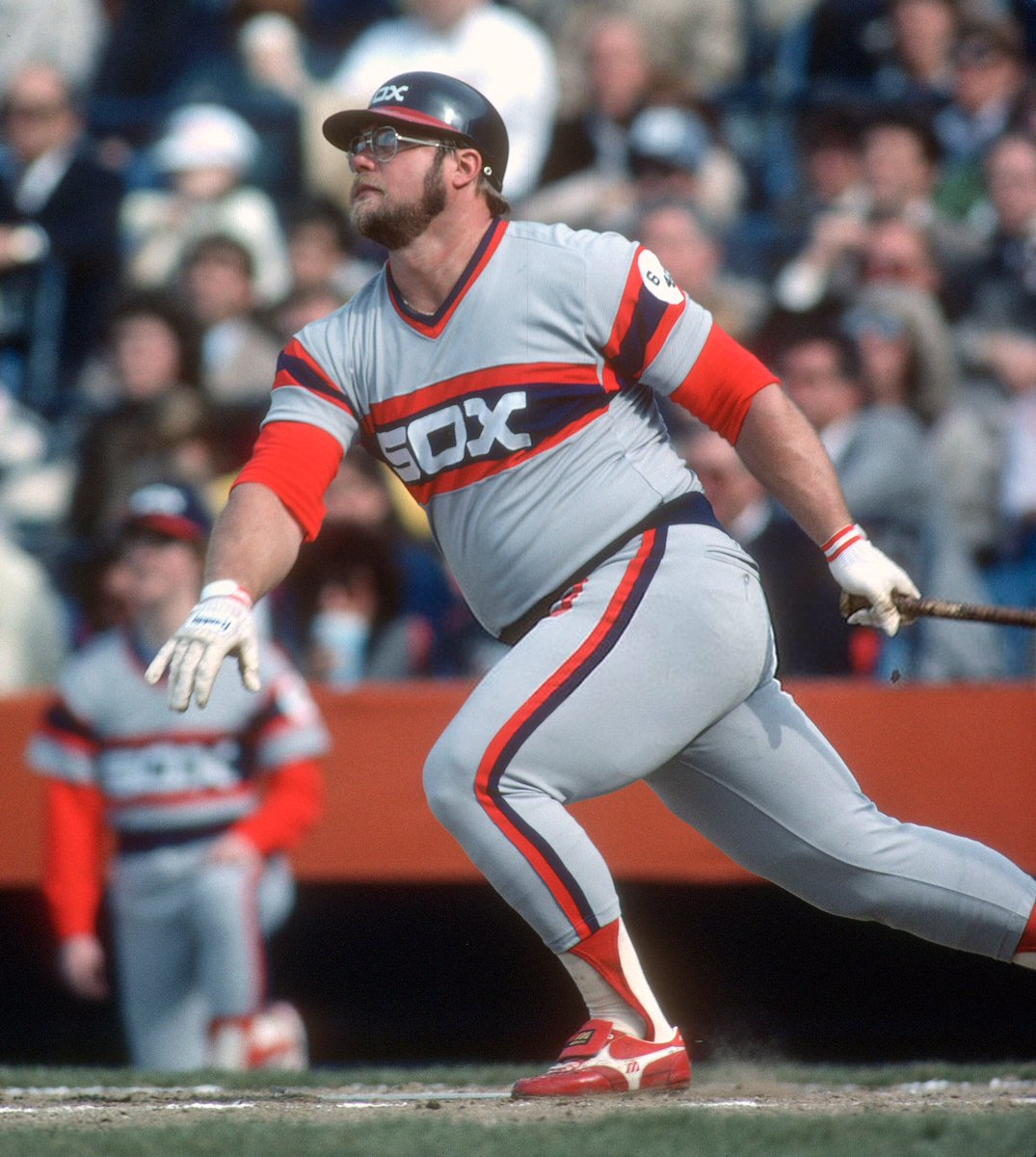 A robust waistline is a symbol of power and wealth. A blessing from the gods to feast on the fattened calf, wear exquisite fragrances, and hit 500-foot bombs with magnificent strength and might!  #MLB #Baseball #WhiteSox #80sBaseball https://t.co/S86eqUY9q2