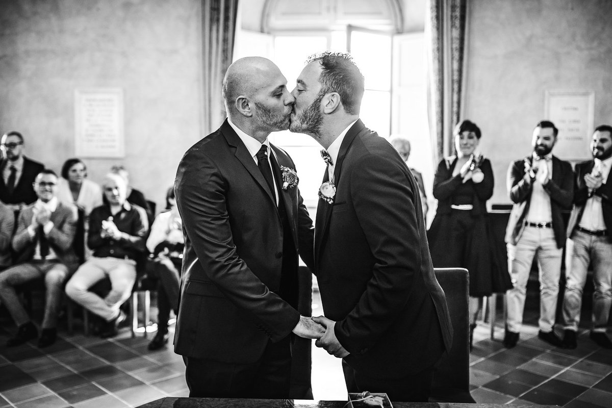 #InternationalKissingDay