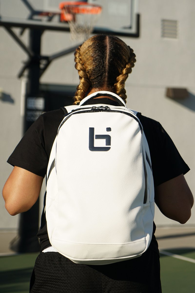 Check out our newest gear including our LX1 Backpack!  Shop now: http://bit.ly/new-new-t pic.twitter.com/kP4TiGLAOh