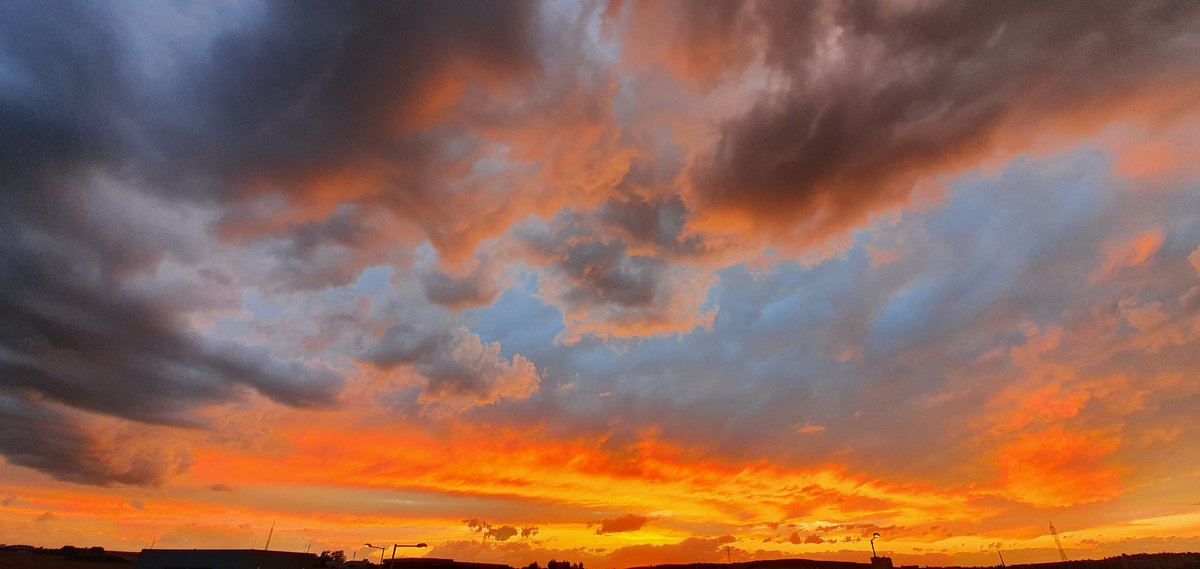 Whenever I sigh I set fire  To the sky  #micropoetry #LoveStory  #poetrycommunity  #WritingCommunity  #nofilter   Tony<br>http://pic.twitter.com/hvvtM7kvFW