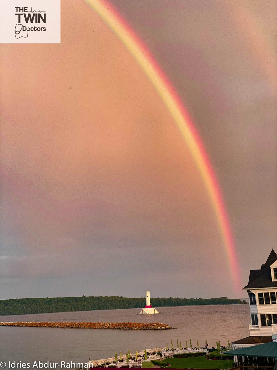 Happy thoughts this Monday...rainbow over @mackinacisle.  #TheTwinDoctors #TwinDoctorsTV #TwinDocsTravel #travel #travelphotography #photography #nature #wanderlust #travelblogger #vacation #traveling #landscape #travelling #beautiful #beach #naturephotography #sunset https://t.co/XqUhvY1CuF