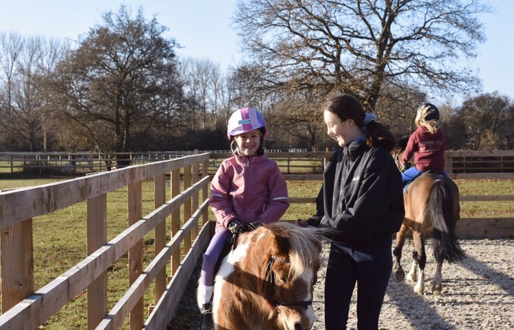 Our little jockeys' smiles are contagious  What has made you smile today?  -  #thelittleponyclub #pony #horse #shetlandpony #fun #littlejockeys #riding #horseriding #ponyfun #friends #ponypresents #ponyvouchers #horsefun #ponylove #adventures #learning #photoofthedaypic.twitter.com/heGiSVBKr9