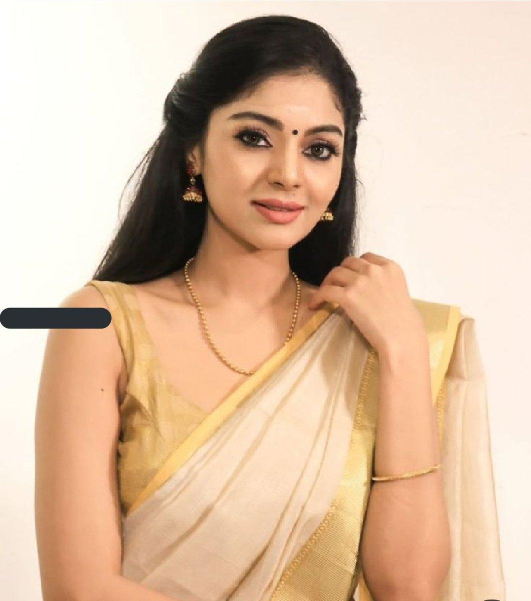 Shoutout model & actress our Instagram page shoutoutmodeltheelite . actress @SanamShetty_ she is #gorgeous in #saree #SareeTwitter #SanamShetty #traditional #india #celebrity #Bangalore #kerala #models #BigBoss  #modeling  #modelcitizen #modellife #ModelStatus #kollywood #actress https://t.co/fA2tDYMwFb