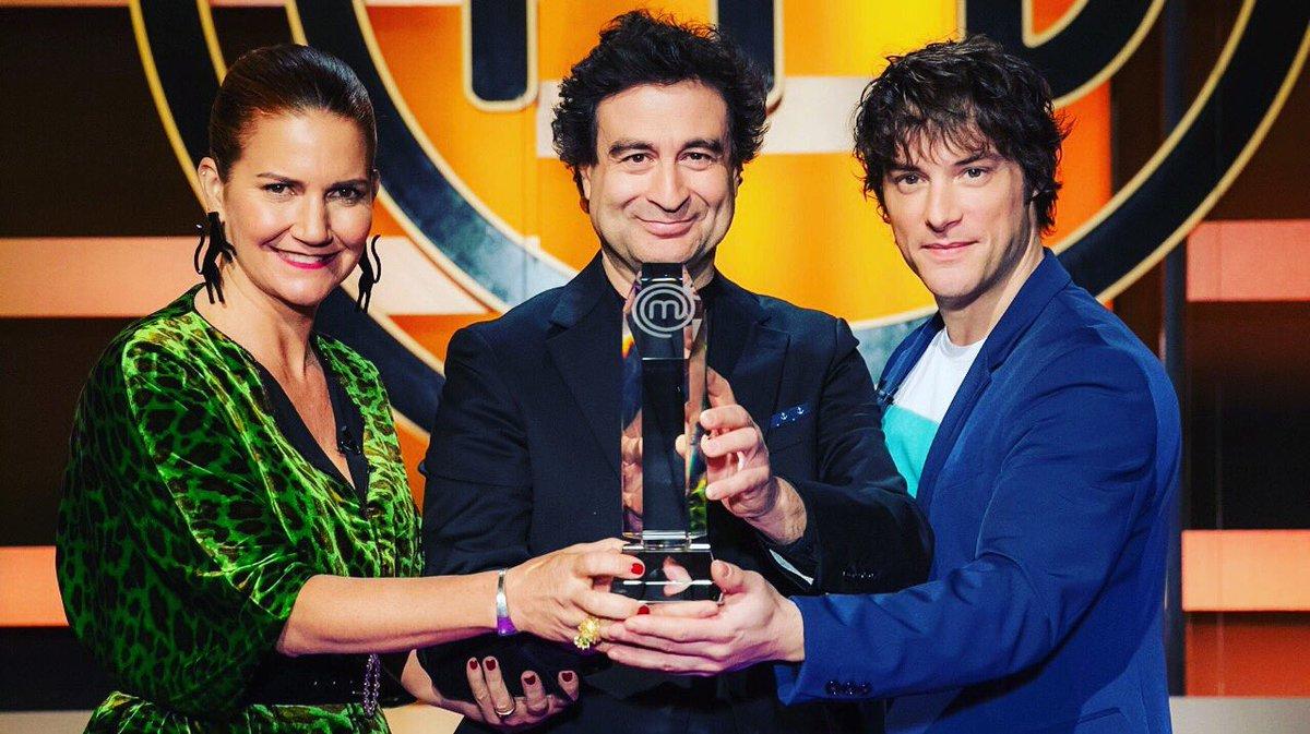 ¡Hoy a las 22 es la gran final de MasterChef 8 España! ¿Quién es tu favorito para ganar? ¡¡Disfrutalo en vivo por TV Española en Cablevisión, y el canal 600 de Flow!! #yomequedoencasa #noscuidamosentretodos https://t.co/gNVAfN8vaA