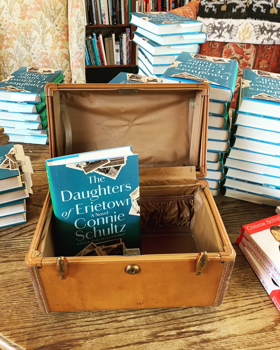What a welcome, @loganberrybooks! The shop is closed on Mondays, which made it easy for us to be safe as I signed books. And: A train case! It belonged to store owner Harriett Logan's grandmother. As a child, Harriett used it to store her crayons and crafts.