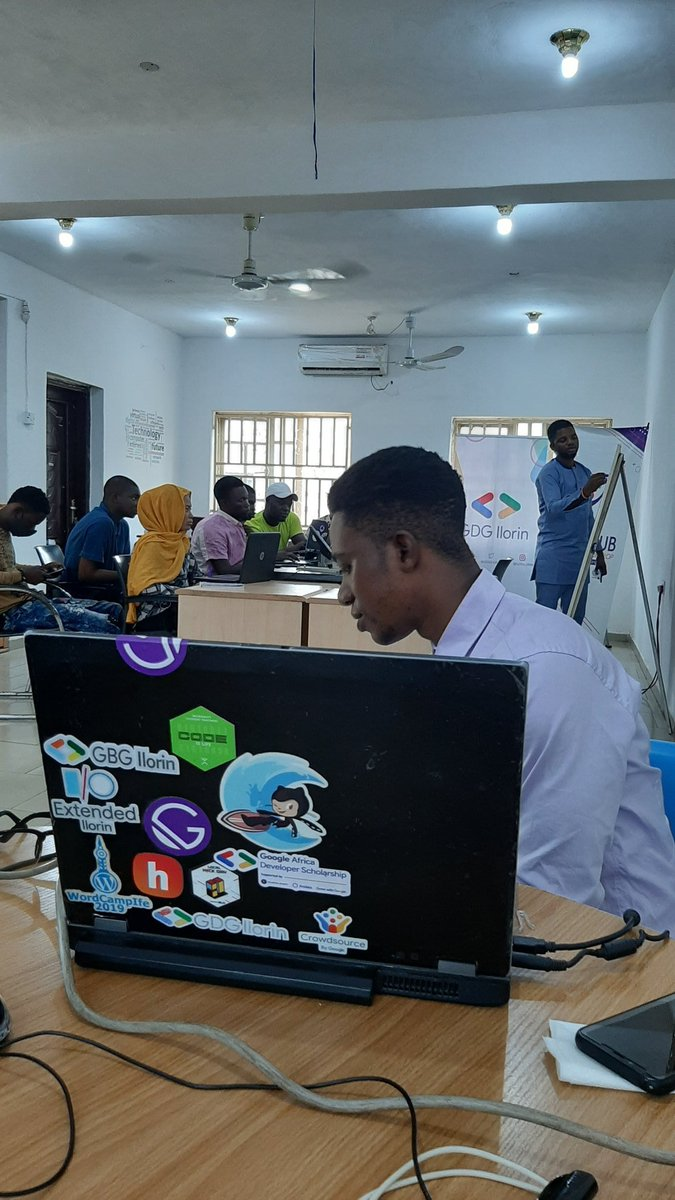 Malhub Full Stack Web Developer Program Resumes  The aim of the Full Stack Web Developer program is to equip learners with the unique skills they need to build database-backed APIs and web applications. The program duration is 3month with a 1-month internship at a notable company <br>http://pic.twitter.com/A6lTOrEaih