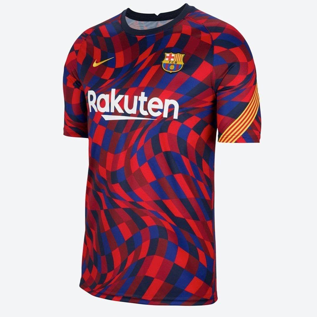 La nueva camiseta de calentamiento del #Barça para la próxima campaña.  Diseño estaría inspirado en los mosaicos del arquitecto modernista Antoni Gaudi, dejó como legado histórico edificios y lugares singulares como la Sagrada Familia, el Parc Güell, La Pedrera o la Casa Batlló.