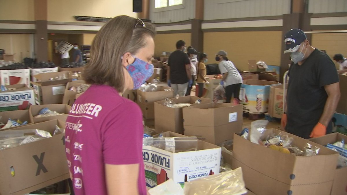 On @WFTV Giving out 300-thousand meals a day this #COVID19 #pandemic @feedhopenow & @OrangeCoFL find an increasing need for PPE. A multi-group effort is now working to provide thousands of face masks and hand sanitizer #WFTV #coronavirus #pandemicpositives https://t.co/FomEqnzsmi