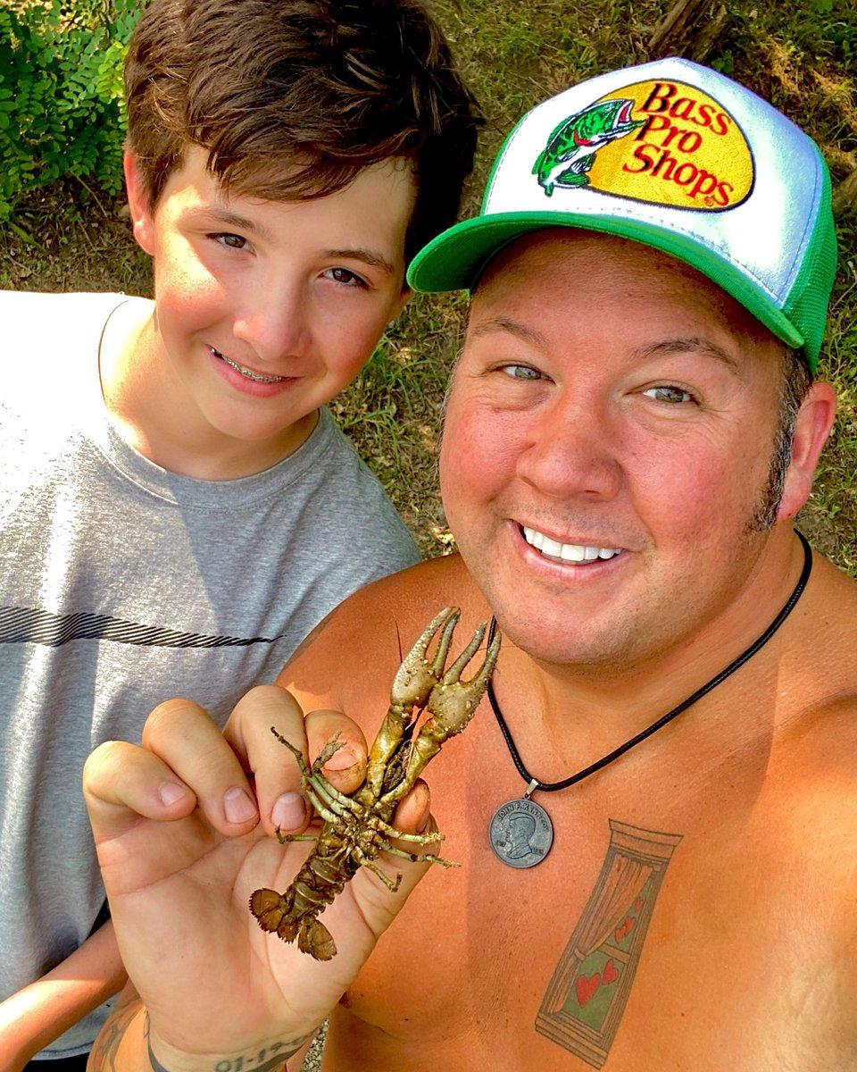 That fish cray! Crawfishin' with my oldest boy Mylo! 🦞