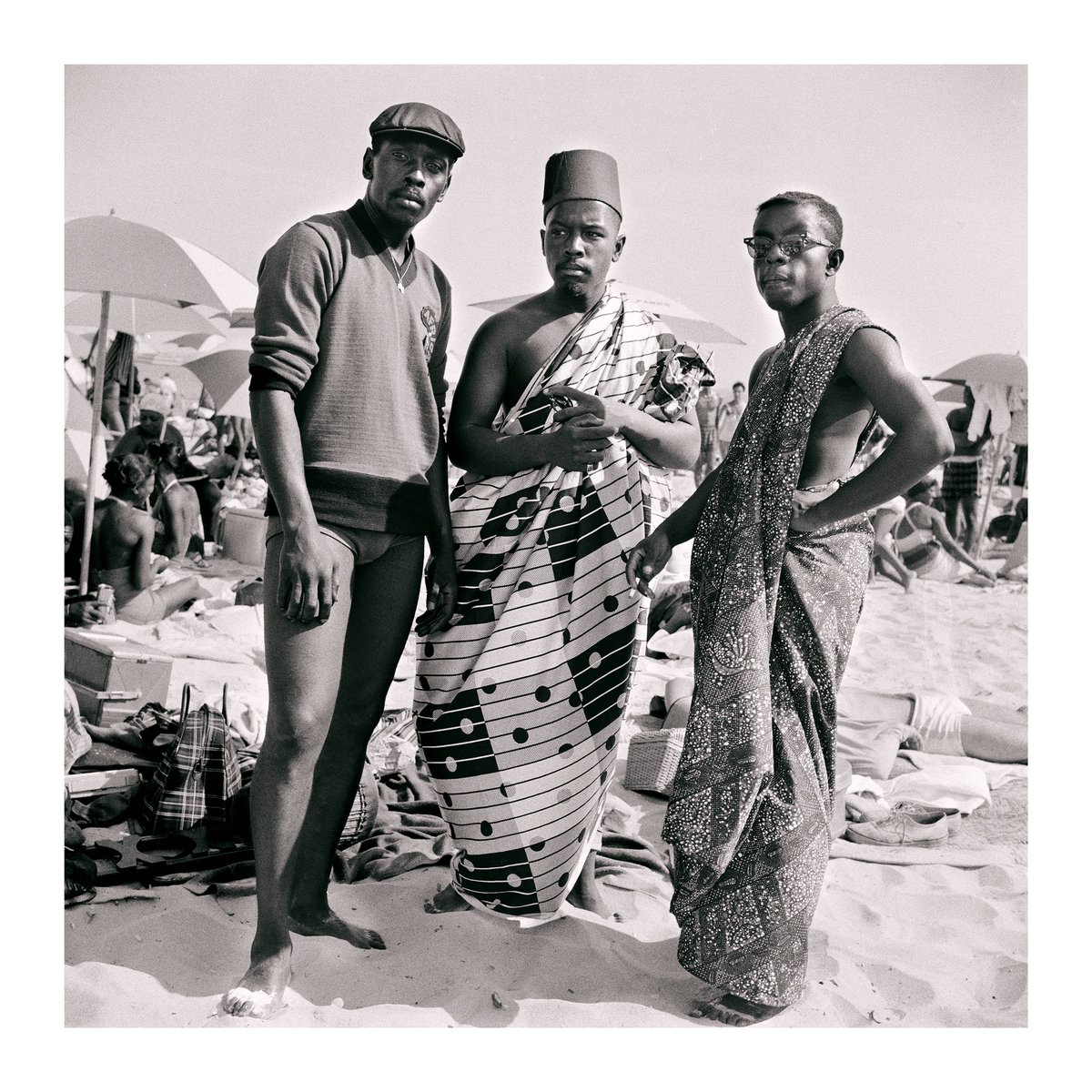 "📸: Kwame Brathwaite, ""Untitled (Riis beach with Jimmy, Kwame and Elombe),"" 1963, printed 2018, archival pigment print, #TangCollection⁠⠀ ⁠⠀ #KwameBrathwaite #BlackIsBeautiful #summer #photography #TangTeachingMuseum #Skidmore  https://t.co/PLGFpjuk1v https://t.co/bmHydaWWso"