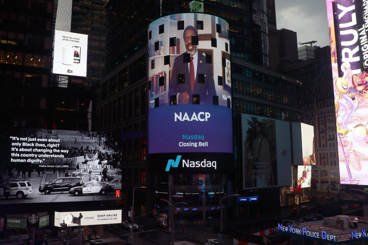 Join @Nasdaq's #SummerBellSeries for ceremonies that recognize frontline and essential workers from across various communities. Today, we kicked off with @NAACP. https://t.co/ZcTw12Uzp2 https://t.co/yfIzRBJ0BK