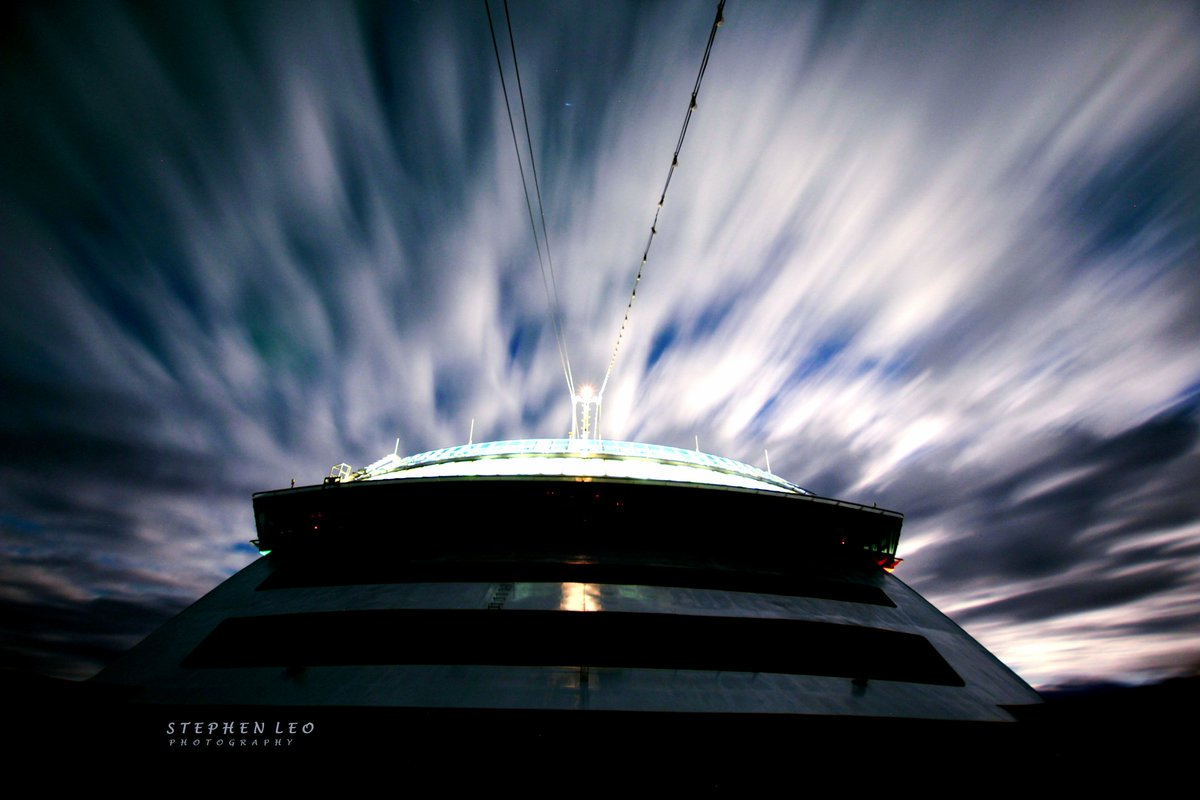 Moonlit clouds whizzing by. #Alaska #longexposure #photographypic.twitter.com/LZnB1Vygqw