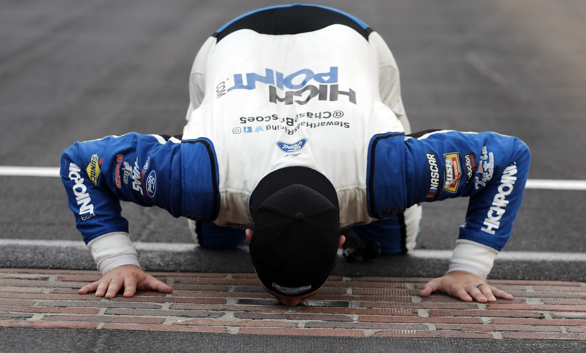 An Indiana kid from a small town with big dreams. Sound familiar?  #NASCAR https://t.co/GPHWskMSmH