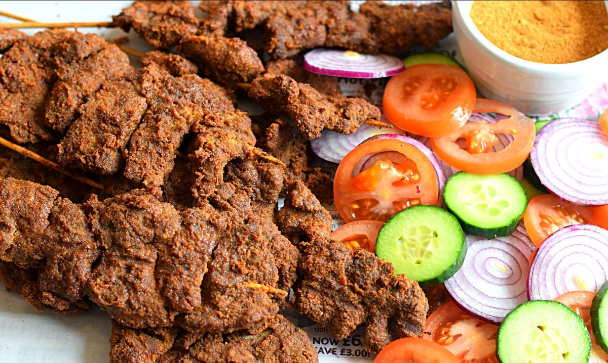 West African Street food, Suya.  It is a favorite among Nigerians. pic.twitter.com/kcYm2bWDcm