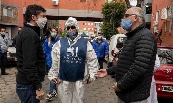 """@gustavoposse: """"La mitigación de contagios sólo es posible desplegando operativos en cada barrio"""" https://t.co/1Nc2F4y9w3 #pandemia #SanIsidro #testeos #movilsanitario @SanIsidroGob https://t.co/efX727hIrK"""