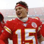 Image for the Tweet beginning: UPDATE: Patrick Mahomes' 10-year contract