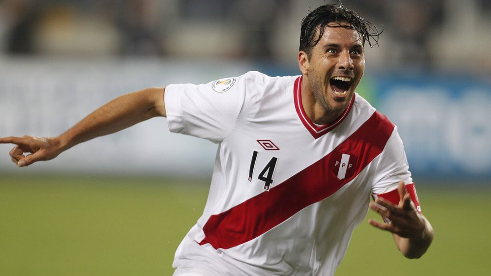 Hoy no jugó jugó, pero deja a su club un año más en Bundesliga. Y se acabó todo. Se retira una LEYENDA. Un jugador con un palmarés de ensueño que llevó con orgullo el nombre de Perú 🇵🇪 a todos los rincones del planeta.  Hasta siempre, @pizarrinha. Ya te echamos de menos 😢 https://t.co/100vYFLSxM
