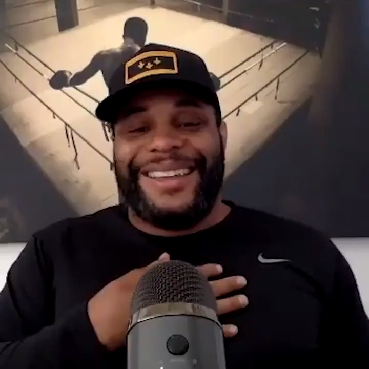"""""""Jorge, I'm happy for you. I am happy that you got your money. I'm happy you got your title fight. Maybe we good now.""""  @dc_mma tries to make amends with @GamebredFighter🤝 https://t.co/P7a9m7SgK1"""