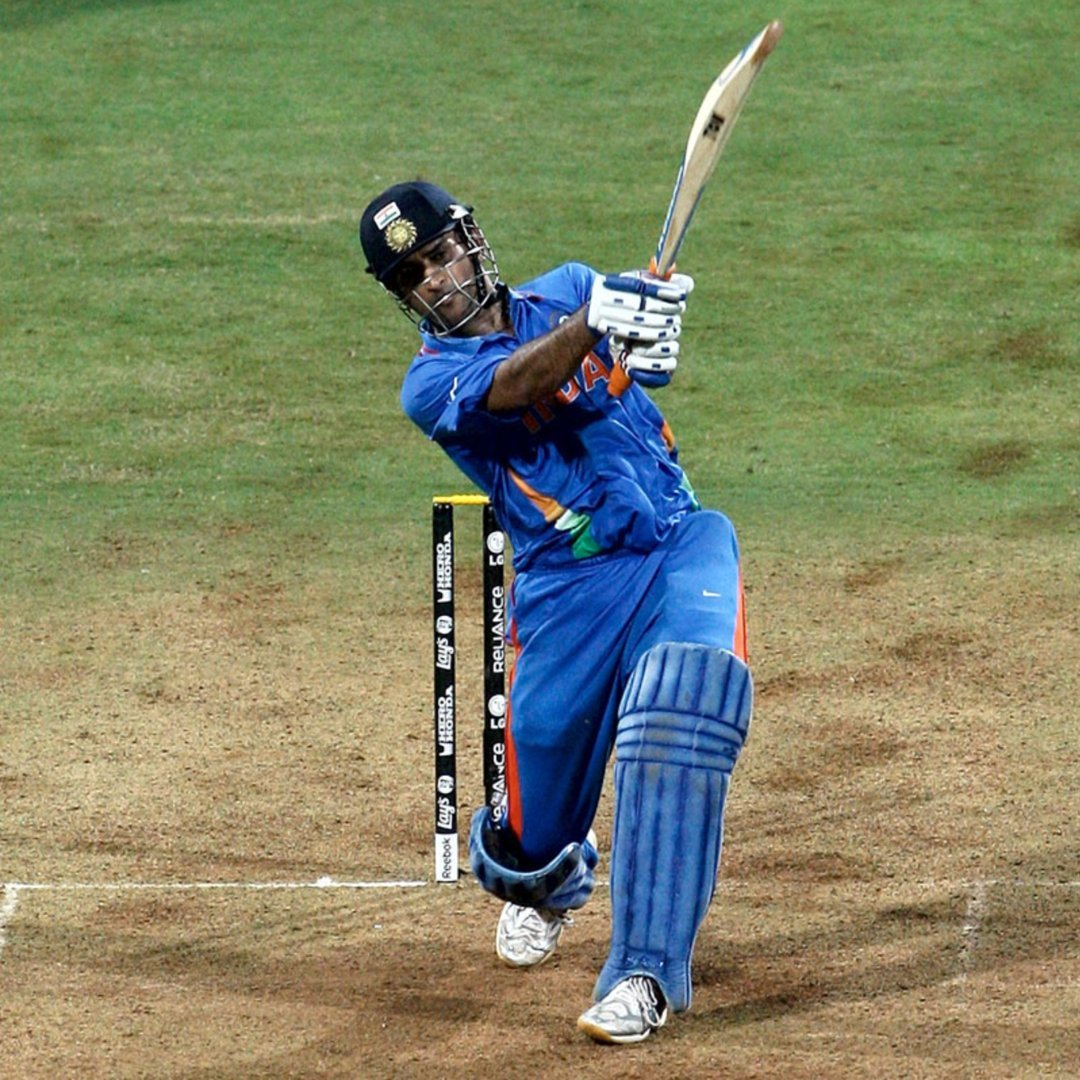 Many more happy returns of the day to a man whose #composure and #patience  Continues to be an #Inspiration.  Big Hats of to Mahi....🙌🇮🇳  #HappyBirthdayDhoni https://t.co/kGCudZOheL