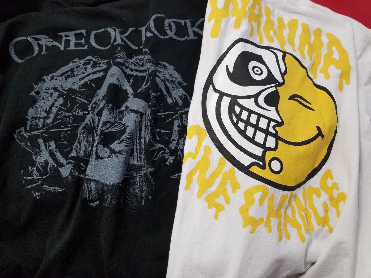 #ONEOKROCK #WANIMA #クリープハイプ #MONOEYES Tシャツ各種が入荷しています。  #シャムキャッツ Tシャツやトートバッグ等をまとめたグッズセットを販売中です。  コーナーでは他にも様々なバンドグッズの入荷品を販売中です。  買取も募集しています。  #中野ブロードウェイ https://t.co/fxWTMQ3iGM