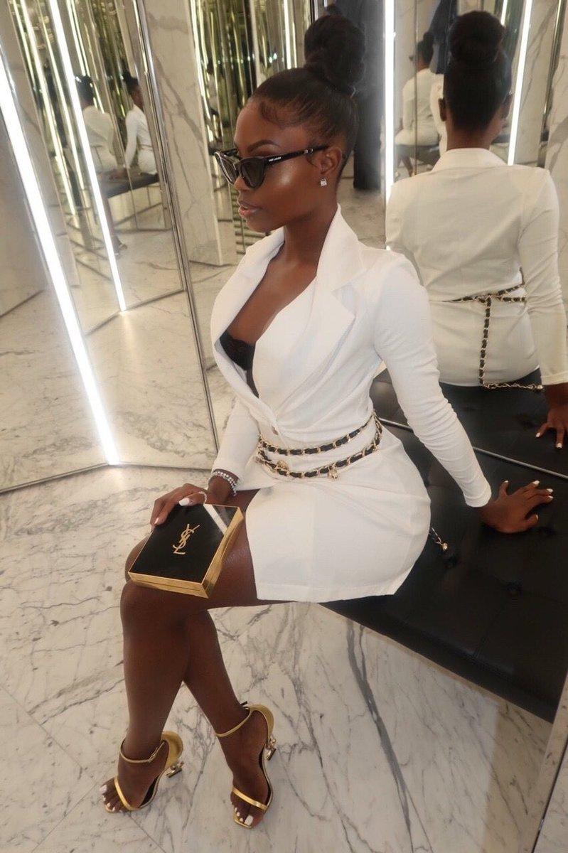 Dark skin women in luxury. A thread.