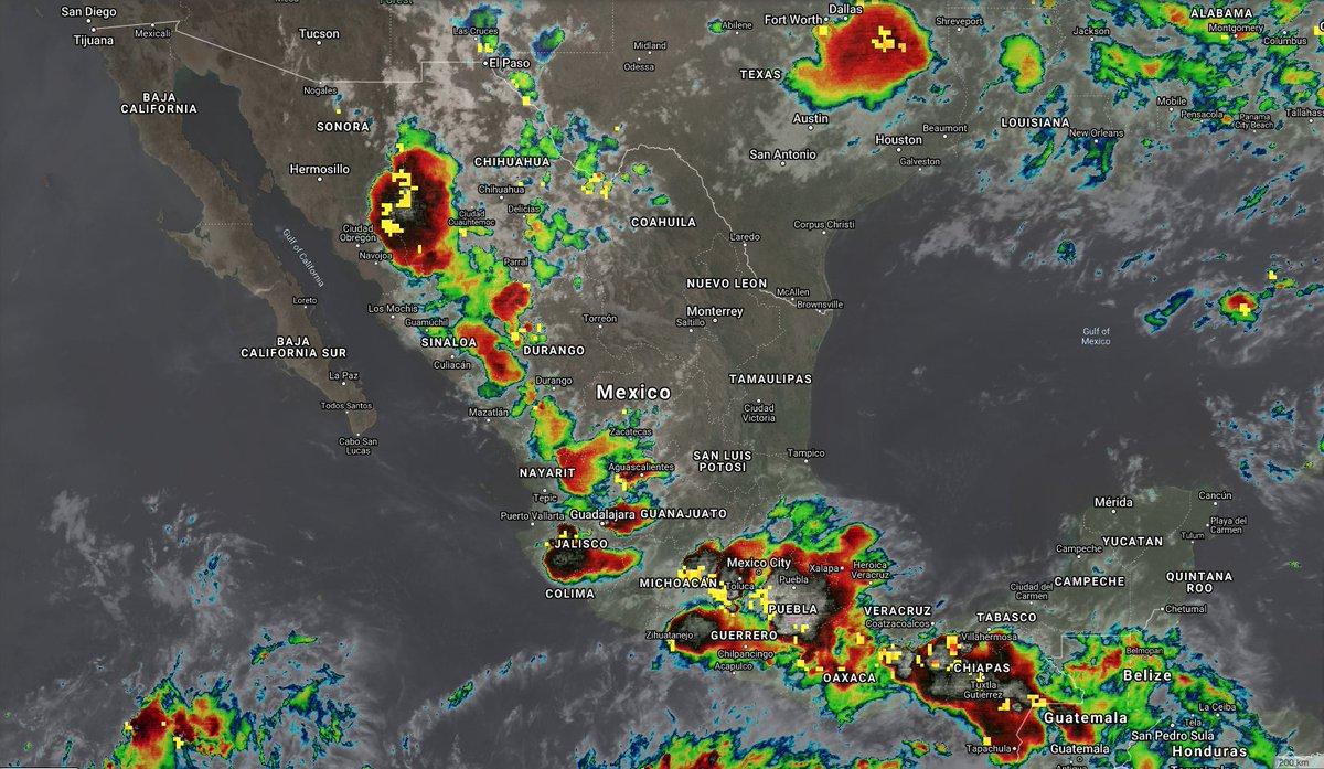 7:20 pm Pacifico | ⛈Tormentas Fuertes 🔺Esta tarde-noche se desarrollan fuertes tormentas en sierras #Son #Chih #Sin #Dgo #Nay #Jal (sierra,ZMG), altos) #Zac (sur) #Ags #Gro #Oax #Chis #EdMex #Mor #CDMX #Pue #Tlax #Hgo (sur) #Ver #Tab (sur)  ⚠️Esta noche y madrugada aún se https://t.co/DCX87Zbldo