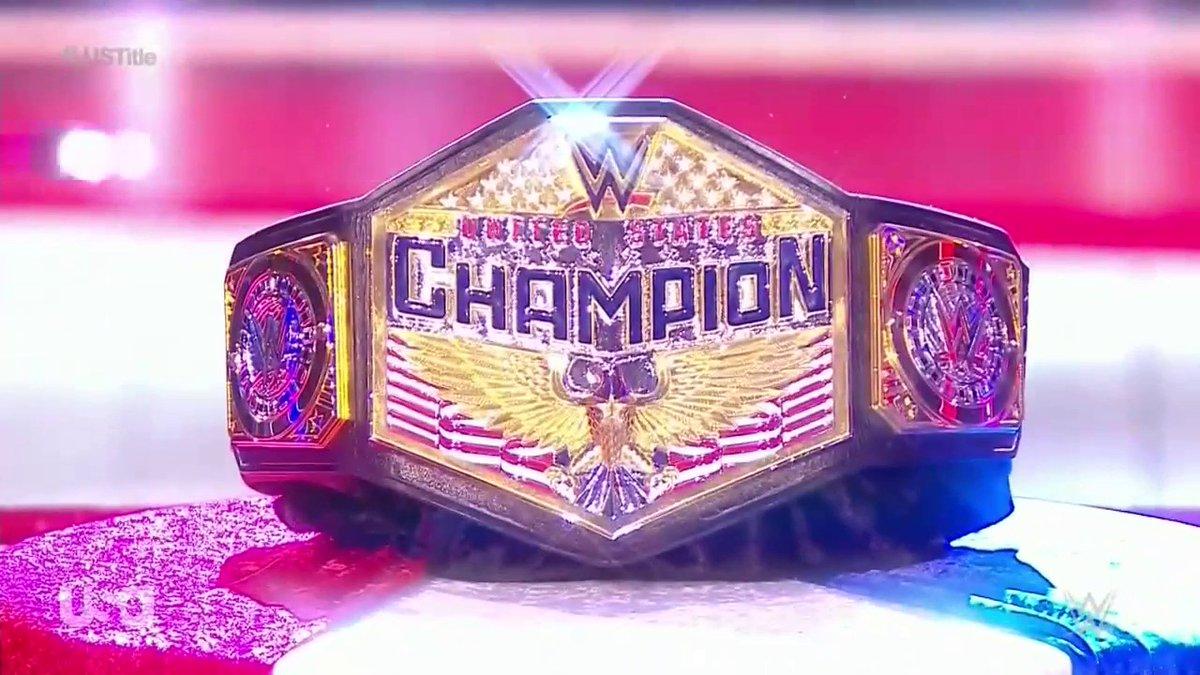 We're in loooooooooveeee  #WWERAW  <br>http://pic.twitter.com/NP601Z2NHc